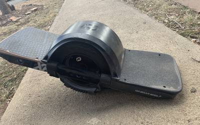 Electric skateboard rental in Boulder
