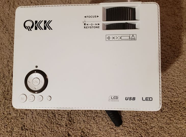 QKK Mini Projector with Tripod and Remote