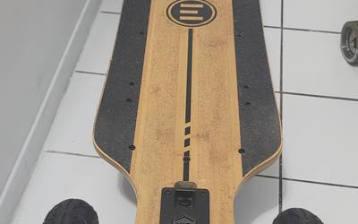 Evolve electric skateboards rental in Queens
