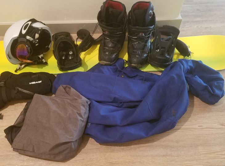 Snowboard Set (Snowboard, coat, pants, boots, googles, gloves) - Men's - 5'6 - 5'8