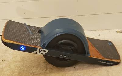 Electric skateboard rental in Wheaton