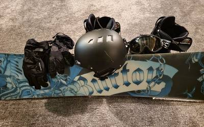 Burton Bullet 160cm Snowboard and Gear