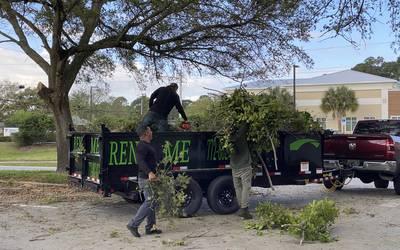 Dump Trailer rental in Port St. Lucie