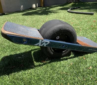 Onewheeler+ XR + Helmet, knee and wrist pads
