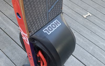 Electric skateboard rental in Canton