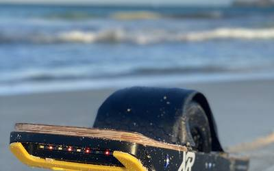 Electric skateboard rental in Waimanalo