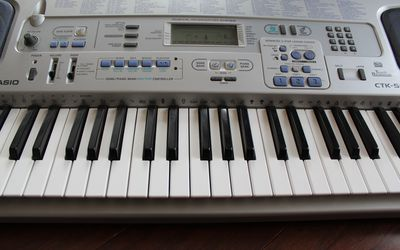 Musical instrument rental in Kenmore