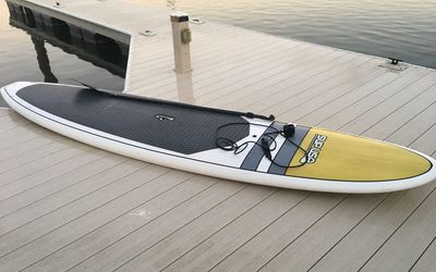 Stand up paddle board rental in Discovery Bay