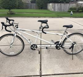 Giordano Viaggio road tandem bike