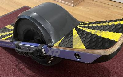 Onewheel+ XR w/Pro-Ride Traction Pads + Silver handle + Fender