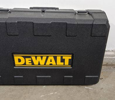 Dewault Router Kit with Fixed and Plug base