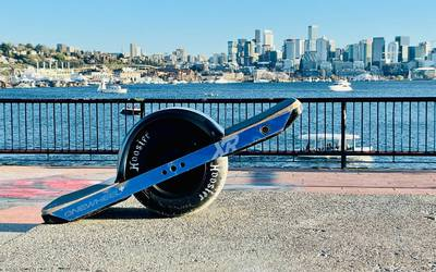 Electric skateboard rental in Seattle