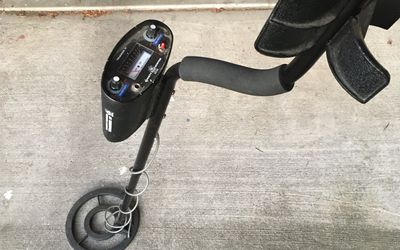Metal Detector - Bounty Hunter Tracker IV, and sifter