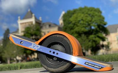 Electric skateboard rental in Smithfield