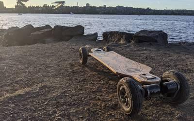 Electric skateboard rental in Seattle