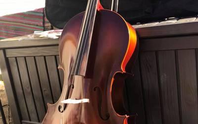 Musical instrument rental in East Hampton