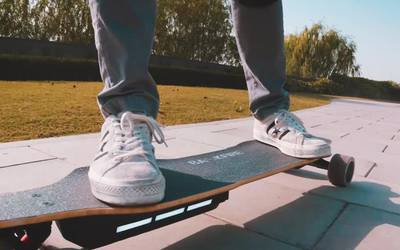 Electric skateboard rental in Miami