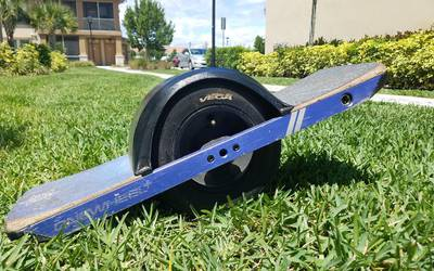 Electric skateboard rental in Estero